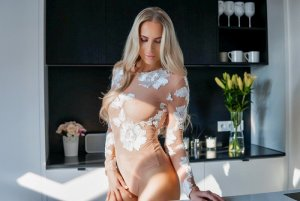 Dilette escort in Sherman and tantra massage