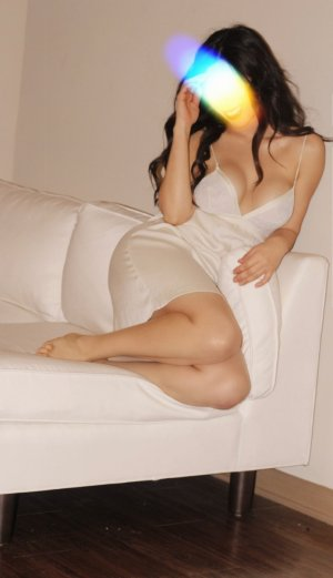 Aneline shemale escort girl