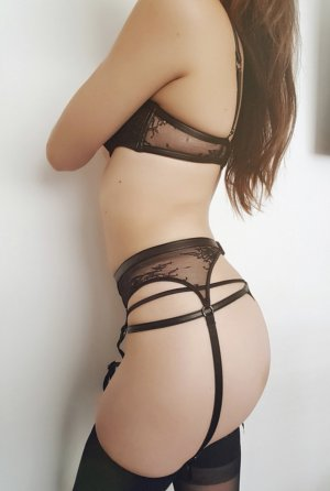 Laurye escorts