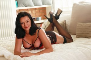 Andreia nuru massage in Watervliet New York, live escort