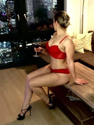 Annalyne nuru massage & call girls